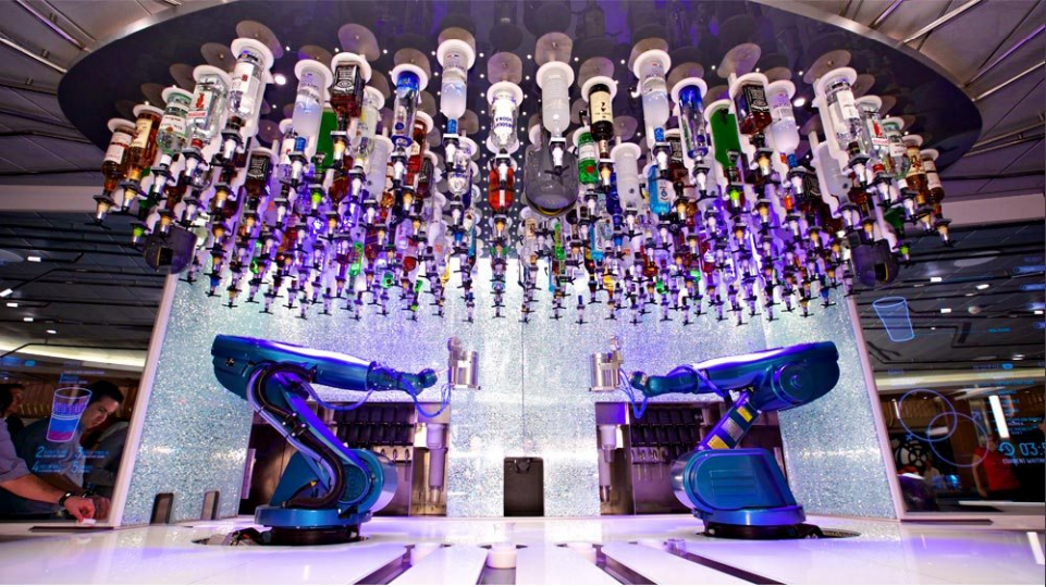 Tipsy Robot Bar in Las Vegas uses robots to mix basic drinks